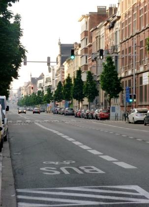 Avenue de la Couronne presque vide #2
