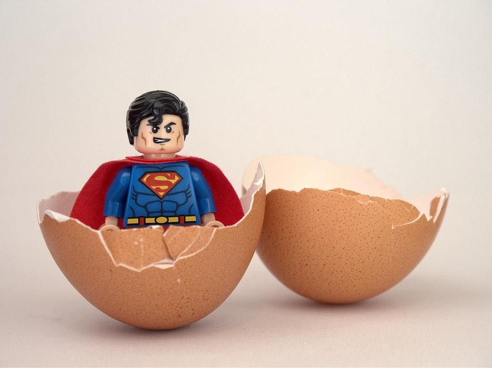 superman pixabay grossesse chezlorette oeuf naissance